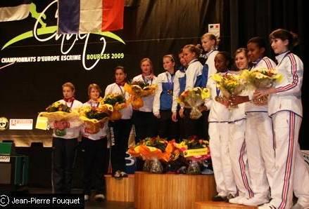 Первенство Европы, г. Бурже, март 2009 г. Магдич Александра серебряный призёр всоставе сборной команды России пошпаге.